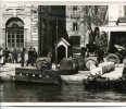-  MARSEILLE - Photo, Reproduction, Sur Le Port , A Côté De La Mairie, Splendide Animation, Barriques, Tabacs,  TBE. - Reproductions