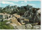 13 - Les Baux - Le Village Dominé Par Les Ruines - Editeur: Estel - Les-Baux-de-Provence