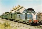 """LE GRAU-du-ROI (30) Train 8308 Au Départ Pour Nimes. BB 66039 Et Voitures """"Bastilles""""  En Aout 1979 - Trains"""
