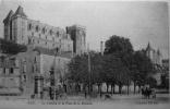 Le Chateau Et La Place De La Monnaie - Pau
