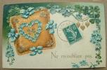 Carte Gauffrée Coeur Bleu Sur Un Coussin - Ne M'oubliez Pas - Felicitaciones (Fiestas)