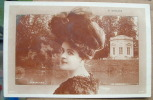 Carte Artiste Feminine Epoque 1900 G . Gallois Versailles - Artisti