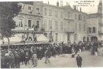 17 - La Rochelle : Place D'Armes - Café Des Colonnes - Honneur Au Tour De France - La Rochelle