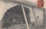 CHAUSSIN - Inondations Janvier 1910 - Un Sinistré Déblayant Sa Maison - Unclassified