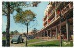 < Automobile Auto Voiture Car >> Citroen 2CV Malle Raoul, Royan - Turismo