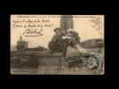 22 - PENVENAN - PORT-BLANC - Mr Et Mme Botrel Au Pied Du Calvaire De Port-Blanc - 210 - Penvénan