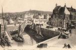 CPA 843 CPM 14 Honfleur La Lieutenance Et Le Port Bateaux Voiliers Attelages Calèche 1918 - Honfleur
