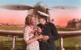 """CPA 935 Fantaisie Amour Militaria Couple Devant Un Avion à Hélices """" Dis Moi Que Tu M'aimes ..."""" - Personnages"""