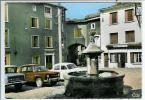 ST DIDIER EN VELAY-PLACE DE LA FONTAINE-RENAULT 8 EN GROS PLAN - Saint Didier En Velay