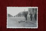 F 75000 PARIS, 2.Weltkrieg, Deutscher Offizier Am Grab Des Unbekannten Soldaten - Photo 6 X 8,5 Cm - Foto