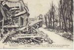 LA GRANDE GUERRE EN BELGIQUE - UNE RUE DE NIEUPORT APRES LE DERNIER BOMBARDEMENT - Nieuwpoort
