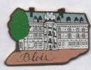 Beau Pin's , Chateau De Blois - Villes