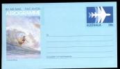 AEROGRAMME AEROGRAM AIRLETTER * AUSTRALIA * SURF BOARD RIDING * SURFING * MINT * 1982 - Luftpostleichtbriefe
