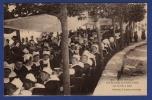 29 PONT AVEN  Noce Bretonne, Les Invités à Table - Animée - Pont Aven