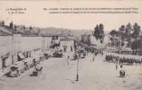 LA GUERRE 1914 15 LUNEVILLE COLONNE DE DRAGONS ET SON CONVOI DE RAVITAILLEMENT SUR LA GD PLACE - Luneville