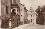 Oschatz, Rathaustreppe Am Neumarkt Mit Städtischer Sparkasse, Stadtgirokasse Und Museum, Um 1910 - Banken