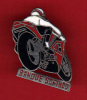 23575-pin's Moto.banque Sofinco. - Banche