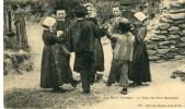 CPA 85 AUX MARAIS VENDEENS LA DANSE DES PETITS MARAICHINS 1911 - Autres Communes