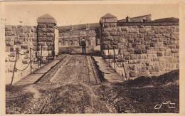 Une Post De La Citadelle Et Son Pont Sur Les Fosses, QUEBEC, Canada, PU-1938 - Québec - La Citadelle
