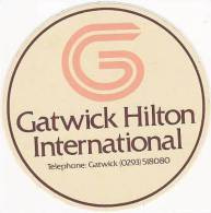 ENGLAND GATWICK HILTON INTERNATIONAL VINTAGE LUGGAGE LABEL - Hotel Labels