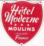 FRANCE MOULINS HOTEL MODERNE VINTAGE LUGGAGE LABELS - Etiketten Van Hotels