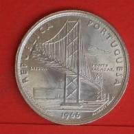 PORTUGAL  20  ESCUDOS  1966  Silver Coin  KM# 592  -    (713) - Portugal