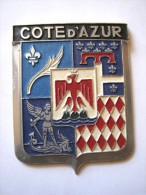 ANCIENNE PLAQUE DE CALANDRE DE VOITURE EMAILLEE ANNEE 1950 COTE D�AZUR EXCELLENT ETAT AUCUNS ECLATS DRAGO PARIS