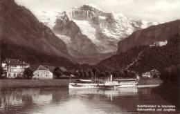 Schiffeinfahrt In Interlaken - Suiza