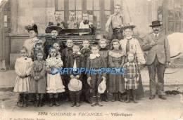 49 MAINE ET LOIRE VILLEVÊQUES COLONIE  DE VACANCES EN 1904 GROUPE D'ENFANTS  GARÇONS ET FILLES COSTUMES ET  CHAPEAUX - France
