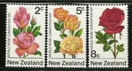 """New Zealand      """"Flowes  Rose""""    Set   SC# 484-86 MNH** - Roses"""