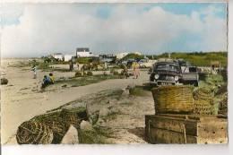 Rare CPSM 1er Plan Renault Dauphine  à  Cosqueville (Manche) - Voitures De Tourisme