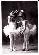CPM ENFANT Deux Fillettes Ballerines Anonyme 2003 - Kinder