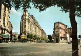 CPSM  MONTREUIL    La Place De La Croix De Chavaux - Montreuil
