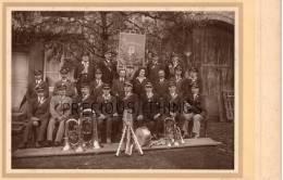 LE VERNOIS  DEP 70 OU 39   PHOTO ORIGINALE HARMONIE VERNOISIENNE 1930. FANFARE. PHOTO P. CHATELET  PREIGNEY PAR CINTREY - Plaatsen