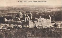 MADRID  EL ESCORIAL  (2 Trous D'épigles Et Amorce Décollement Des Feuillet Sinon TB ) - Madrid