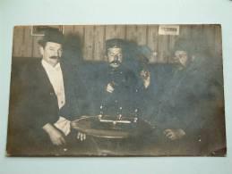 2 MILITAIREN / SOLDAAT ( Te Identificeren + Burgers ) Anno 19?? ( Fotokaart - Zie Foto Voor Details ) !! - Personen