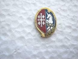 RARE INSIGNE PINS REGIMENT HUSSARDS PARACHUTISTES LE 1° RHP J.BALME SAUMUR ETAT EXCELLENT - Militaria