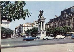589 CLERMONT FERRAND Place De Jaude   Ci: 632125 éditeur : CIM - Clermont Ferrand