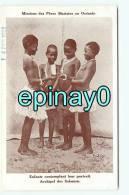 Br - NOUVELLE CALEDONIE - Missions Maristes - Enfants Contemplant Leur Portrait - Archipel Des SALOMON - Nieuw-Caledonië