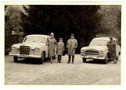 Photo Amateur 1950 Mercedes Benz 180 Ponton Peugeot 403 Familiale Break Weissenbach Klamm Steinbach Attensee Autriche - Automobile