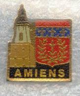 Rare Pin's Ville D'Amiens Blason + Beffroi - Ciudades