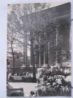 75 - Paris - Marchande De Fleurs Place De La Madeleine - 1958 - Scan Reto-verso - Artisanry In Paris