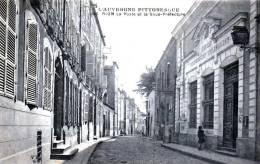 RIOM - La Poste Et La Sous-Préfecture - Très Beau Plan Animé - Riom