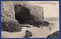 29 CAMARET-SUR-MER Plage Du Toulinguet, Entrée De La Grande-Grotte - Animée - Camaret-sur-Mer