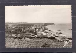 30892   Francia,   Arromanches-les-Bains,  Port  De  La  Liberation,  La  Plage Et  La  Vue  Generale,  NV  (scritta) - Arromanches