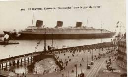 """76-Le HAVRE-Paquebot- Entrée De """"NORMANDIE"""" Dans Le Port-animée - Le Havre"""