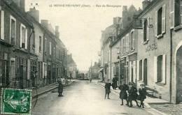 N°22419 -cpa Henrichemont -rue De Bourgogne- - Henrichemont