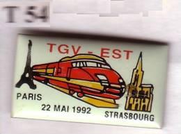 T54 Pin´s TGV  SNCF  STRASBOURG TOUR EIFFEL Achat Immediat - TGV