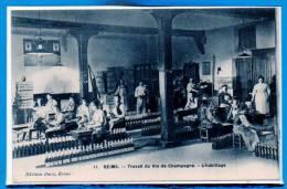 51 - REIMS --  Travail Du Vin De Champagne - L'Habillage - Reims