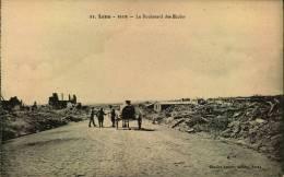 N°522  M  LENS LE BOULEVARD DES ECOLES 1919 RUINES - Lens